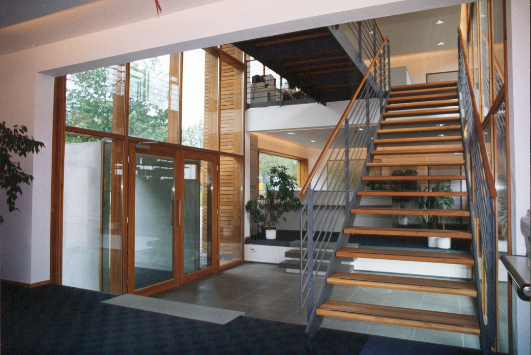 bauer holzlager und b rogeb ude schindler architekten. Black Bedroom Furniture Sets. Home Design Ideas